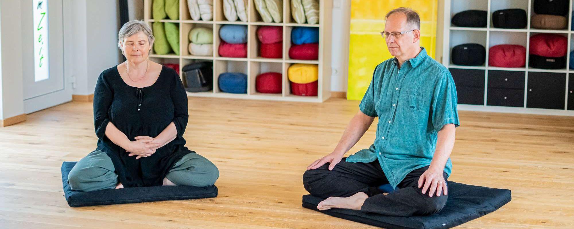 Der Gruppenraum kann unter anderem für Meditationen genutzt werden.